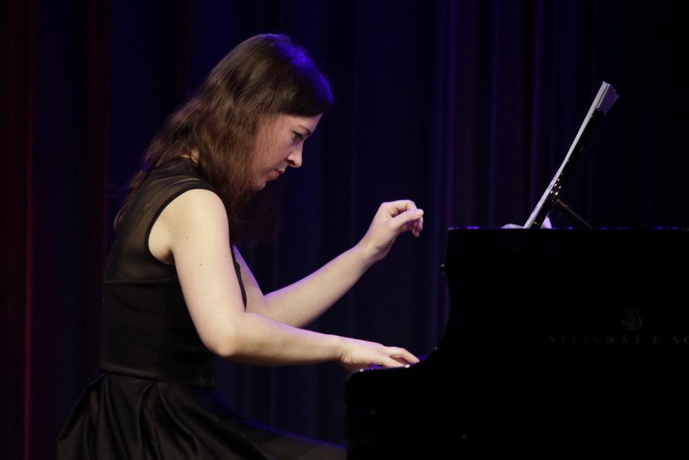 Beata Ilona Barcza, klavir, foto: Goran Antlej