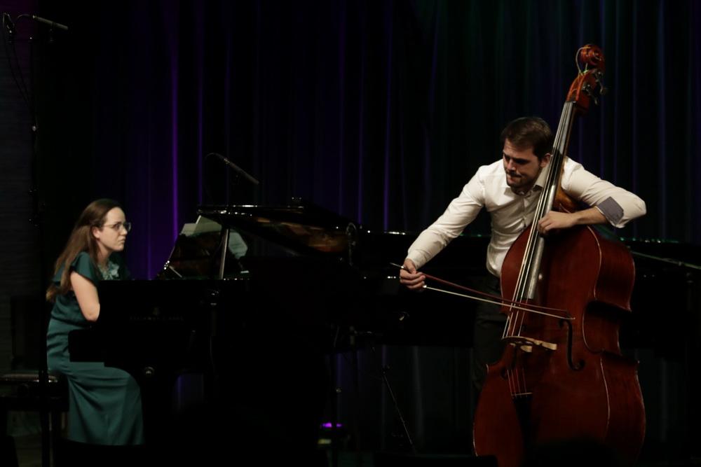 Grega Rus, kontrabas, Nadja Rus, klavir, foto: Goran Antlej