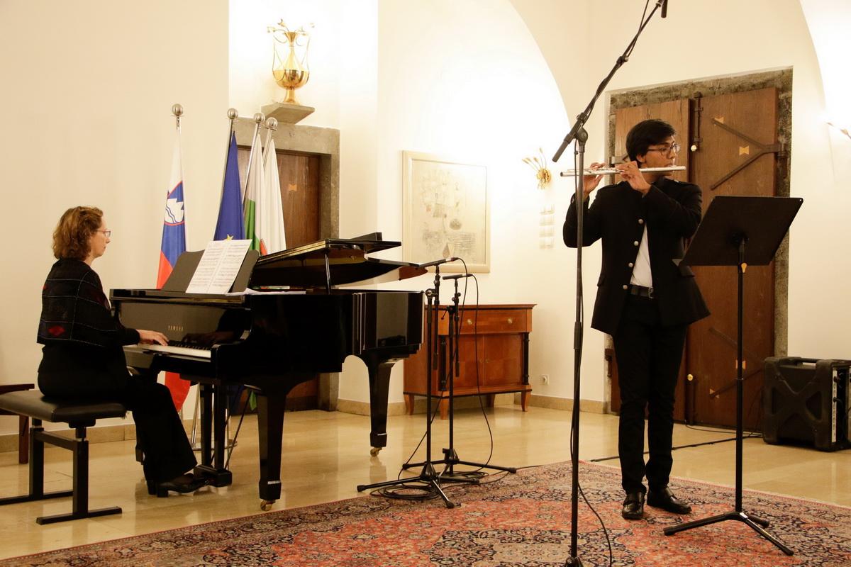 An Černe, flavta, Katalin Peter Krivokapić, klavir foto: Goran Antlej