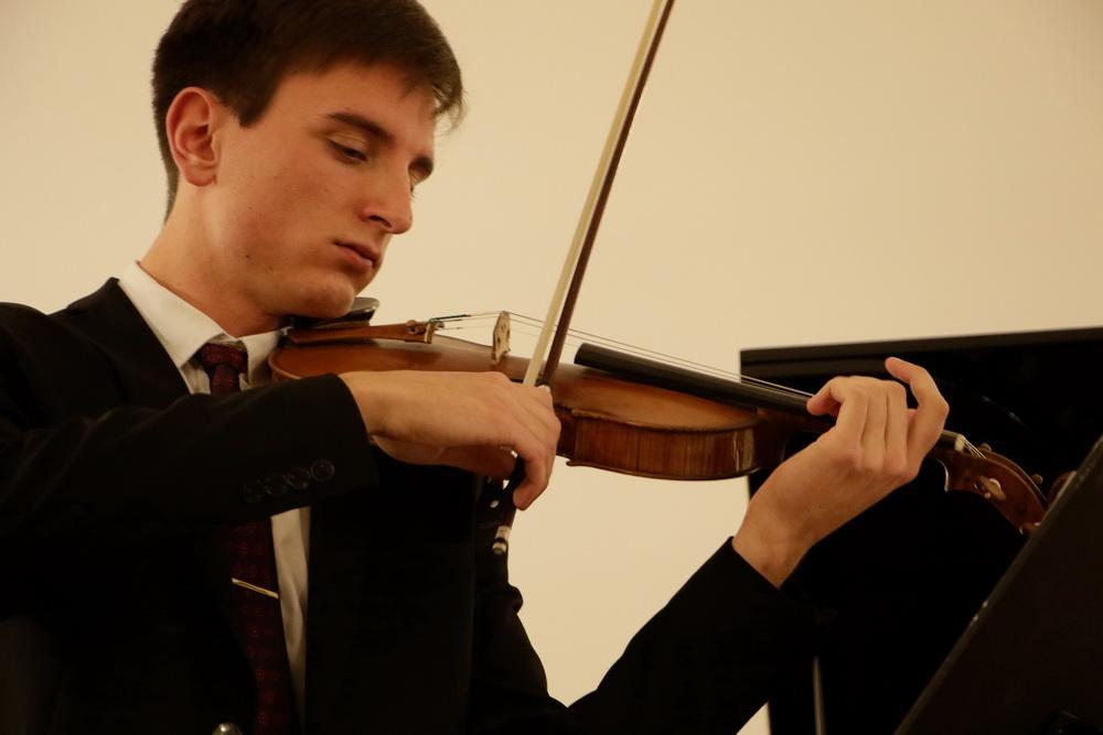 Oskar Longyka, violina, Foto: Goran Antlej
