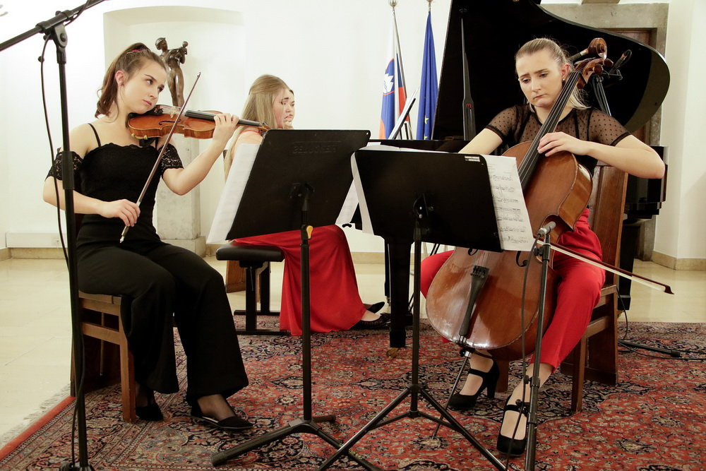 Klavirski trio Aurum, Foto: Goran Antlej