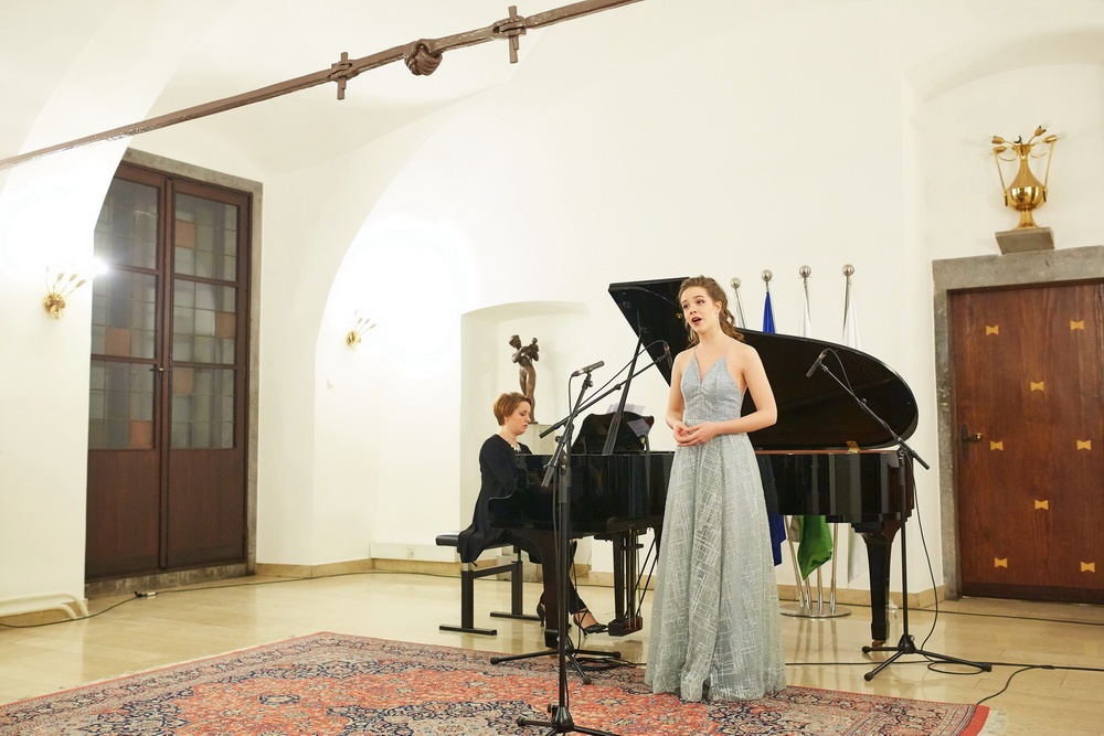 Pia Novak, sopran, Darja Mlakar Maležič, klavir, Foto: Janez Kotar