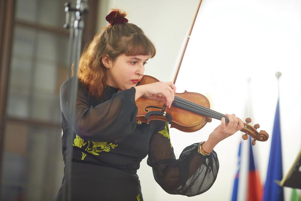 10.2.2020 - Ana Sešek, violina, Foto: Janez Kotar