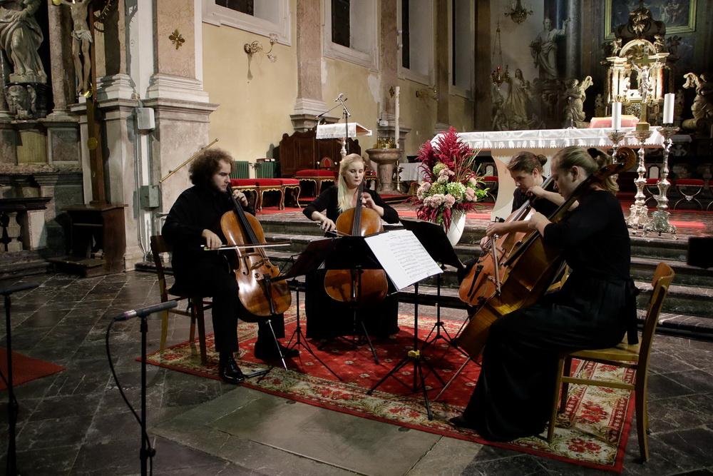 PROSTRANOST, 15.9.2020 - Kvartet violončel: Katarina Kozjek, Izak Hudnik, Sebastian Bertoncelj, Tamara Gombač (Foto: Goran Antlej)